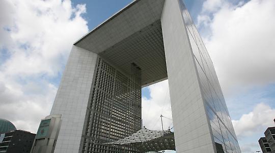 Mitterrands Prestigeprojekt: Grande Arche nahe Paris