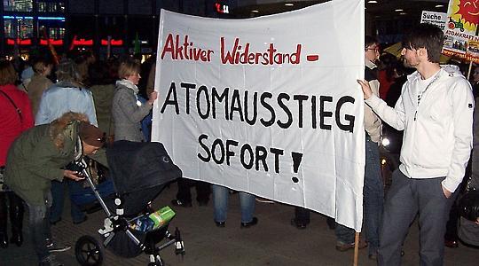 Anti-Atom-Demonstration in Berlin, 12.3.2011 <br/>Foto von Frank Eßers