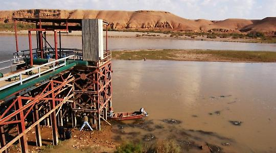Pumpen wie diese am Tigris konnten während der Sanktionen nicht instand gesetzt werden <br/>Foto von The National Guard