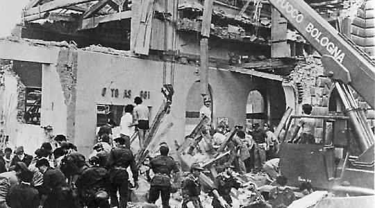 Bei dem Bombenanschlag auf den Bahnhof von Bologna 1982 starben 85 Menschen
