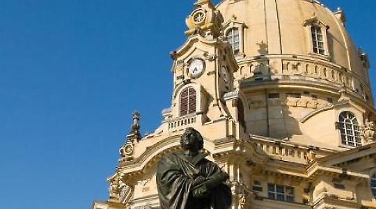 Prominentes Beispiel: Die Dresdner Frauenkirche <br/>Foto von az1172