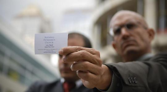 The Yes Men als Exxon-Vertreter <br/>Foto von ItzaFineDay