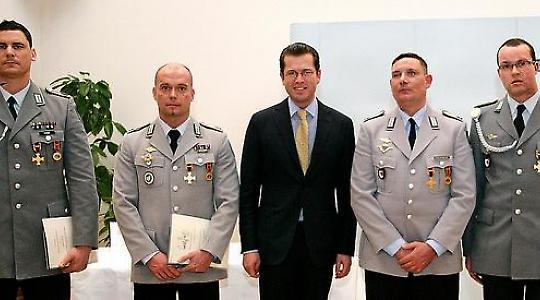 Auszeichnung der Soldaten am 29. November <br/>Bild von Bundeswehr-Fotos