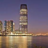 Blasenmaschine? Konzernsitz von Goldman Sachs in New Jersey <br/>Foto von laverrue