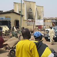 Bei Unruhen 2009 abgebrannte Kirche <br/>Foto von MikeBlyth, Flickr