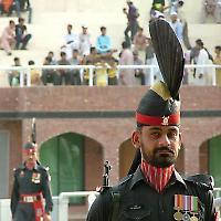 Pakistanische Soldaten an der indischen Grenze <br/>Foto von nokes