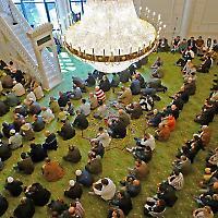 Ziel wachsender Ressentiments: Muslime beim Gebet in Berlin <br/>Foto von epha