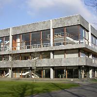 Bundesverfassungsgericht in Karlsruhe <br/>Foto von Tobias Helfrich, Wikicommons